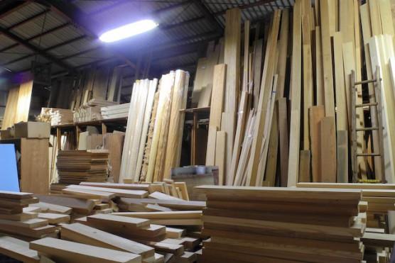 国産材の木製ドアのオーダーメイド